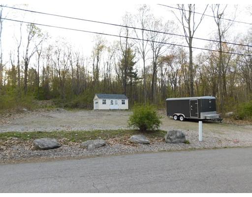 Additional photo for property listing at 2 Bayberry Lane  Millbury, Massachusetts 01527 Estados Unidos