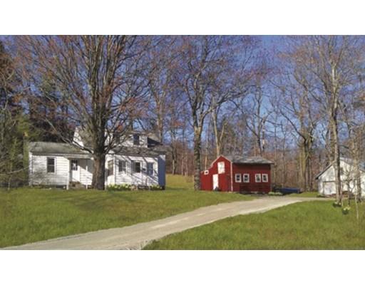 Maison unifamiliale pour l Vente à 17 Russell Stage Road 17 Russell Stage Road Blandford, Massachusetts 01008 États-Unis