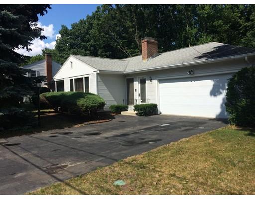Частный односемейный дом для того Аренда на 83 Helena Street Leominster, Массачусетс 01453 Соединенные Штаты
