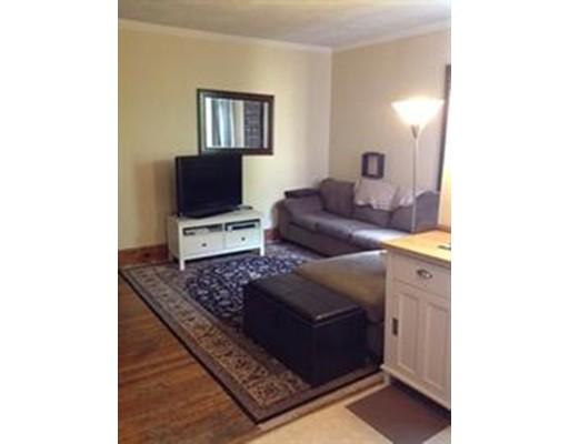 独户住宅 为 出租 在 34 South Russell Street 波士顿, 马萨诸塞州 02114 美国