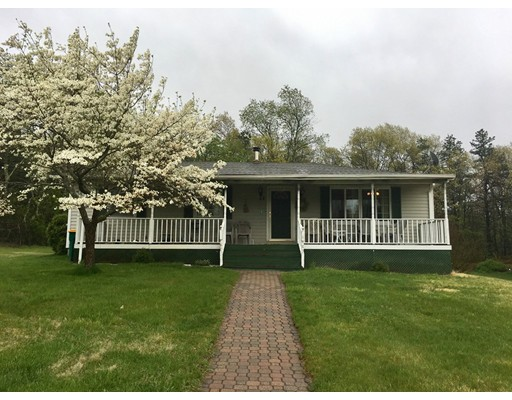32 Kenney Ln, North Attleboro, MA 02760