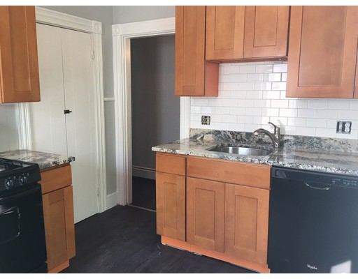 Additional photo for property listing at 54 Streetetson Street  Whitman, 马萨诸塞州 02383 美国
