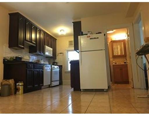 独户住宅 为 出租 在 31 Shannon Street 波士顿, 马萨诸塞州 02135 美国