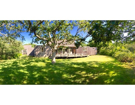 Casa Unifamiliar por un Venta en 7 Black Point Road Chilmark, Massachusetts 02535 Estados Unidos