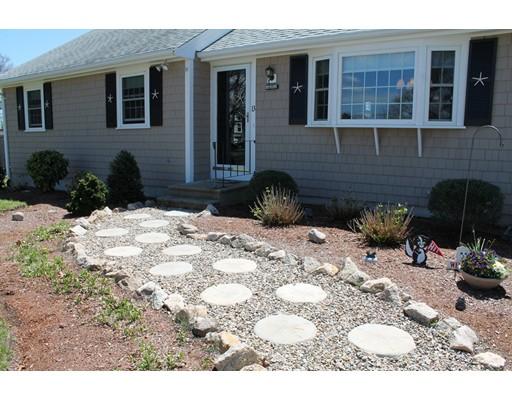 Casa Unifamiliar por un Venta en 13 Crowell Road Dennis, Massachusetts 02670 Estados Unidos