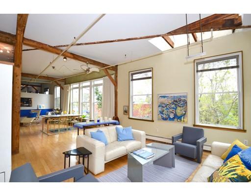 Casa Unifamiliar por un Alquiler en 32 Clifton Somerville, Massachusetts 02144 Estados Unidos