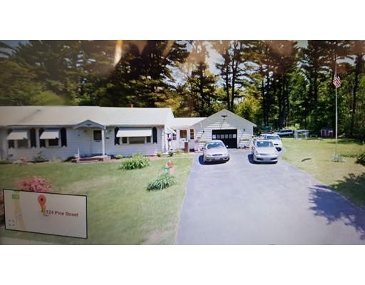 独户住宅 为 销售 在 124 Pine Street 124 Pine Street Bridgewater, 马萨诸塞州 02324 美国