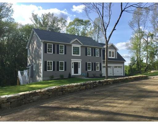 独户住宅 为 销售 在 31 Browns Road 31 Browns Road 格拉夫顿, 马萨诸塞州 01519 美国