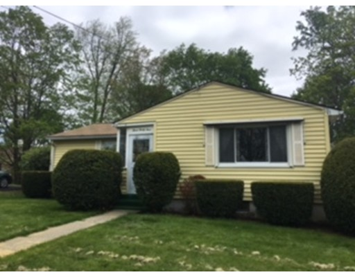 Casa Unifamiliar por un Venta en 334 Homestead Avenue Holyoke, Massachusetts 01040 Estados Unidos