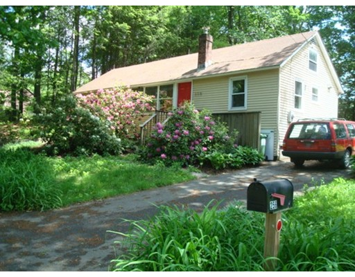 Single Family Home for Sale at 256 N Silver Lane Sunderland, Massachusetts 01375 United States