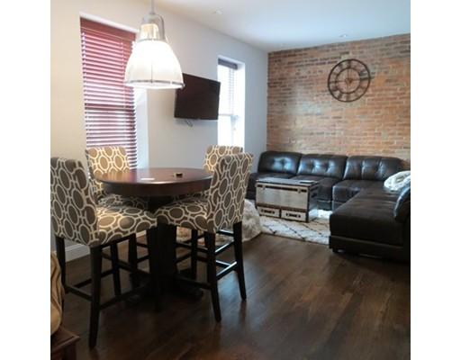 Casa Unifamiliar por un Alquiler en 115 Salem Street Boston, Massachusetts 02113 Estados Unidos