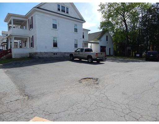 متعددة للعائلات الرئيسية للـ Sale في 229 Streetevens Street Lowell, Massachusetts 01851 United States