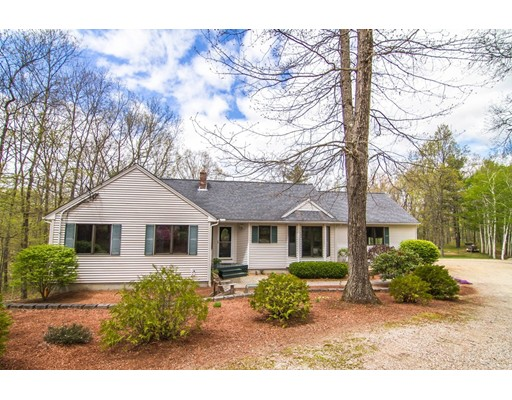 Single Family Home for Sale at 33 Town Farm Road Brookfield, Massachusetts 01506 United States