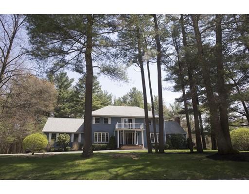 Maison unifamiliale pour l Vente à 1 Oregon Street Georgetown, Massachusetts 01833 États-Unis