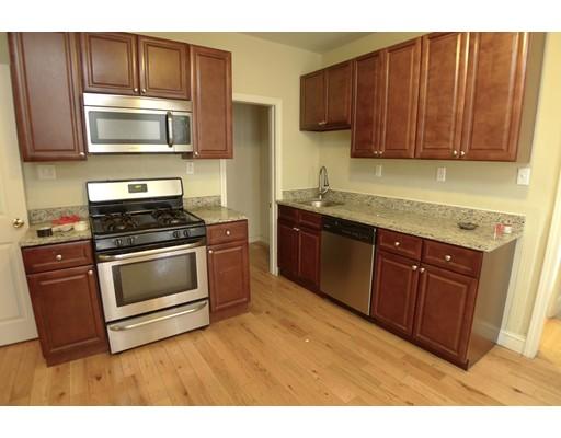 Casa Unifamiliar por un Alquiler en 82 Shepton Street Boston, Massachusetts 02124 Estados Unidos