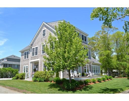 Maison unifamiliale pour l Vente à 15 Highland Avenue Pc Mattapoisett, Massachusetts 02739 États-Unis