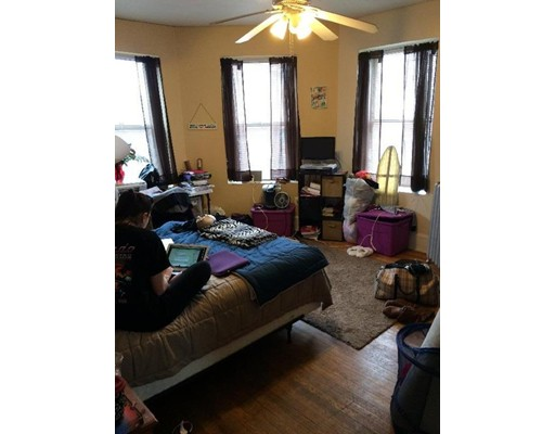 Additional photo for property listing at 107 Jersey  Boston, Massachusetts 02125 Estados Unidos