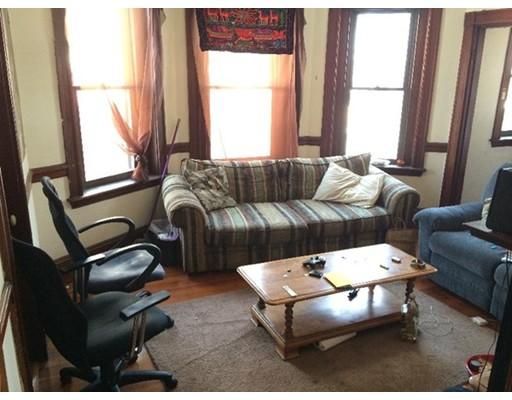 独户住宅 为 出租 在 174 St. Alphonsus 波士顿, 马萨诸塞州 02120 美国