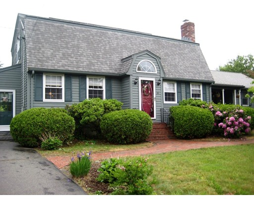 Single Family Home for Sale at 311 MOOSEHILL ROAD Walpole, Massachusetts 02032 United States