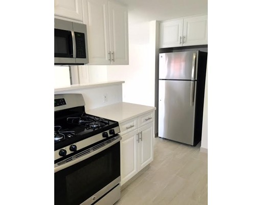 Additional photo for property listing at 200 bedford  Woburn, Massachusetts 01801 Estados Unidos