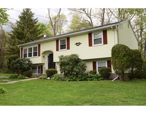 Casa Unifamiliar por un Venta en 24 Glendower Street Avon, Massachusetts 02322 Estados Unidos