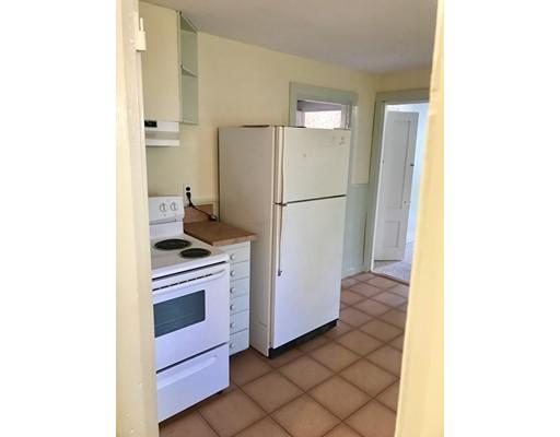 独户住宅 为 出租 在 108 Union Street Bridgewater, 02324 美国