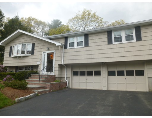 Single Family Home for Sale at 88 Westover Pkwy Norwood, Massachusetts 02062 United States