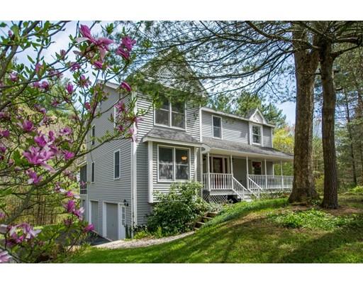 Single Family Home for Sale at 7 Pierce Lane Upton, Massachusetts 01568 United States