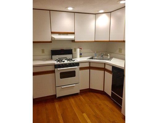 独户住宅 为 出租 在 2 Baldwin Place 波士顿, 马萨诸塞州 02113 美国