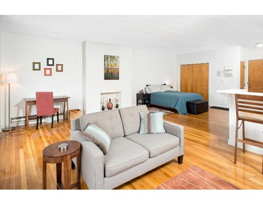 独户住宅 为 出租 在 220 Beacon Street 波士顿, 马萨诸塞州 02116 美国