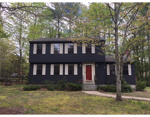 15 Countryside Rd, Pepperell, MA 01463