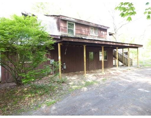 独户住宅 为 销售 在 22 Woodland Avenue Westfield, 马萨诸塞州 01085 美国