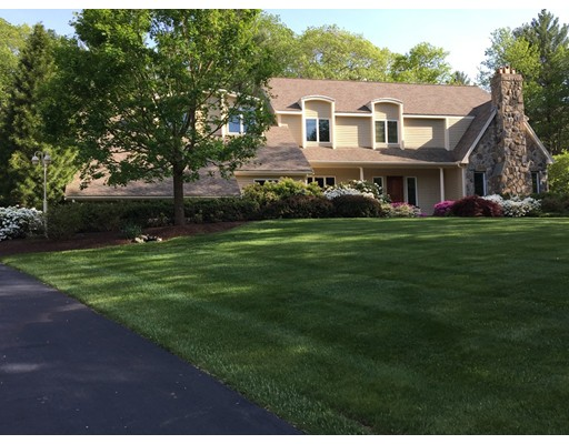 Single Family Home for Sale at 5 Steeplechase Drive Medfield, Massachusetts 02052 United States
