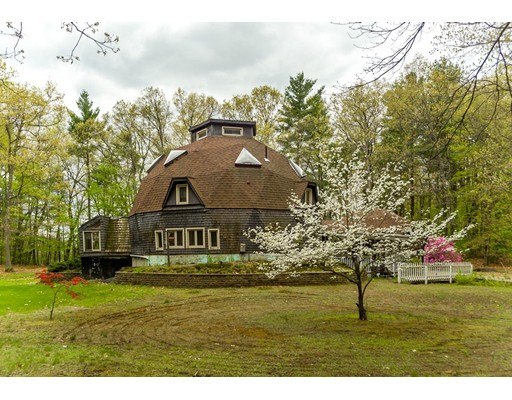 Single Family Home for Sale at 229 Plumtree Road 229 Plumtree Road Sunderland, Massachusetts 01375 United States