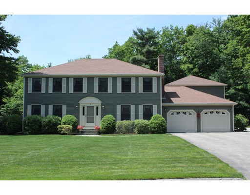 Single Family Home for Sale at 5 Camelot Drive Paxton, Massachusetts 01612 United States