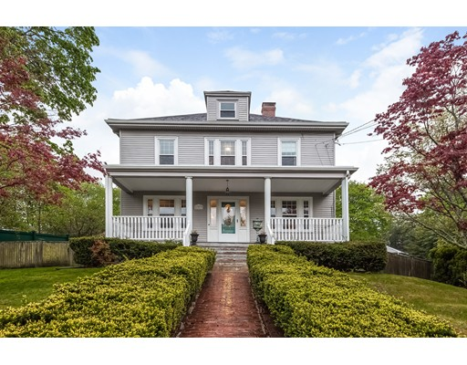Maison unifamiliale pour l Vente à 673 Union Street Braintree, Massachusetts 02184 États-Unis
