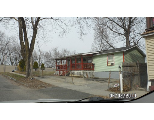 134 Lowell St, Springfield, MA 01107