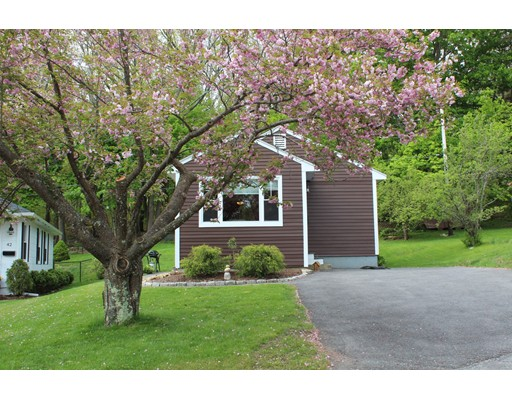 Single Family Home for Sale at 44 Hill Street Hopedale, 01747 United States