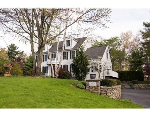 Maison unifamiliale pour l Vente à 11 Brookdale Lane Pepperell, Massachusetts 01463 États-Unis