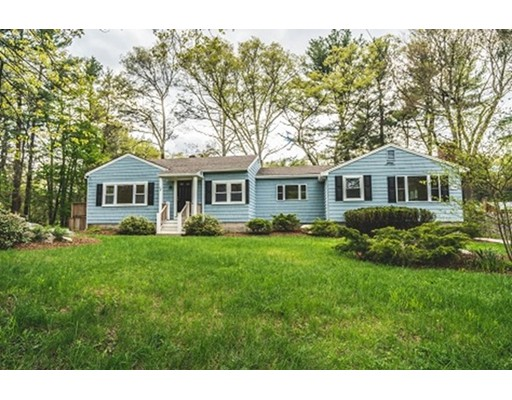 16 Essex St, Norton, MA 02766