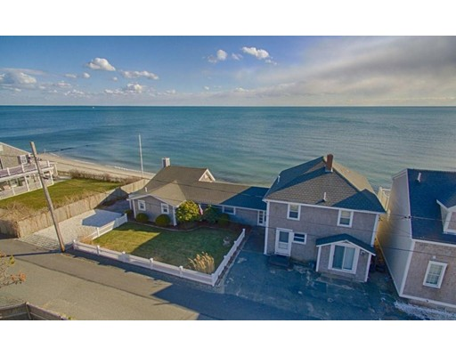 Maison unifamiliale pour l Vente à 11 Atlantic Avenue Harwich, Massachusetts 02646 États-Unis