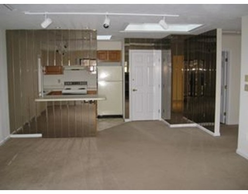 Additional photo for property listing at 660 Union Street  Braintree, 马萨诸塞州 02184 美国