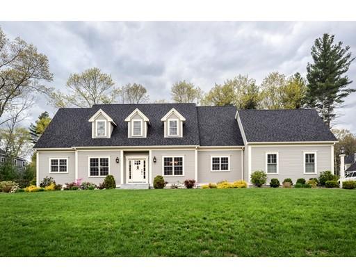 Частный односемейный дом для того Продажа на 12 Hancock Court Walpole, Массачусетс 02081 Соединенные Штаты