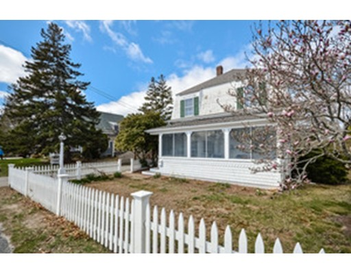 Additional photo for property listing at 311 Sea Street  Barnstable, Massachusetts 02601 United States
