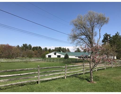 Maison unifamiliale pour l Vente à 84 Powers Road Westford, Massachusetts 01886 États-Unis
