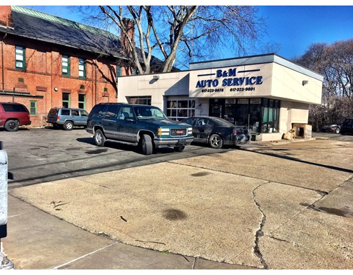 Additional photo for property listing at 1942 Centre Street  Boston, Massachusetts 02132 United States