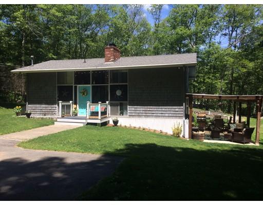 Maison unifamiliale pour l Vente à 79 Quaker Lane Scituate, Rhode Island 02857 États-Unis