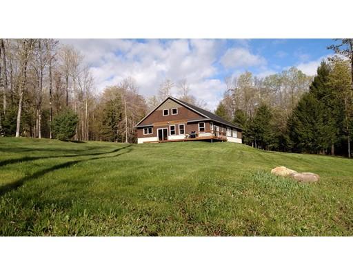 Maison unifamiliale pour l Vente à 301 Frost Road Washington, Massachusetts 01223 États-Unis
