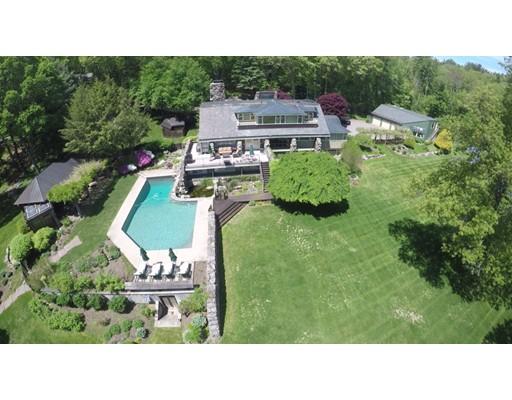 Частный односемейный дом для того Продажа на 32 Hunting Lane Sherborn, Массачусетс 01770 Соединенные Штаты