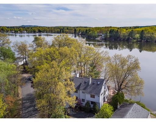 独户住宅 为 销售 在 14 IROQUOIS DRIVE Southwick, 马萨诸塞州 01077 美国